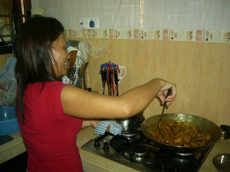 COOKING AT TRAINER'S HOUSE IN JOHOR BARU - RENDANG
